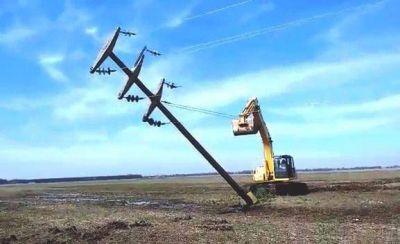 Dos imágenes retratan la precariedad del servicio eléctrico en Santa Clara del Mar