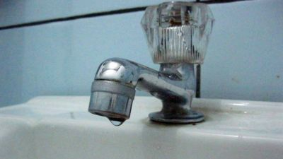 Agua contaminada: piden que ABSA deje sin efecto el tarifazo