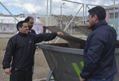 Urbana instaló 18 contenedores metálicos en el 30 de Octubre