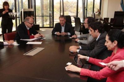Schiaretti recibió a representantes del FMI