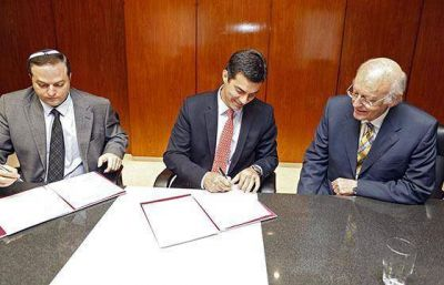 Urtubey firm� un convenio marco con autoridades de la Delegaci�n de Asociaciones Israelitas Argentinas