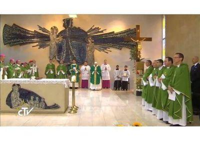 Misa del Papa en Bakú: toda la Iglesia los anima con simpatía