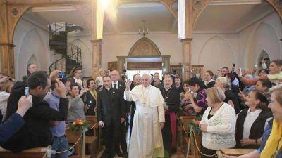 """El Papa: """"hay una guerra mundial para destruir el matrimonio"""""""