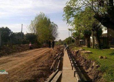 Avanza la obra de cordón cuneta en Barrio Avellaneda