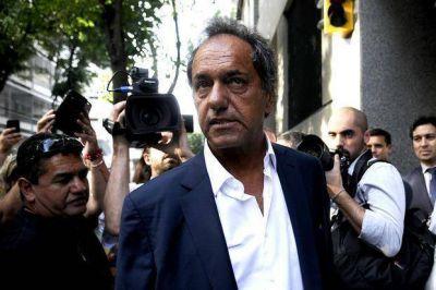 Acusan a Alberto P�rez de usar facturas truchas