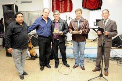 Guillermo Britos y Carlos Perillo presentes en la cena del Centro de Jubilados J.O.T.A.