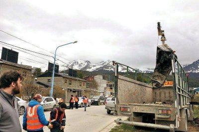 Ya se retiraron más de 400 toneladas de material chatarra de la vía pública