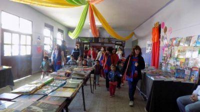 Con un nutrido programa se pone en marcha la Feria del Libro en Chos Malal