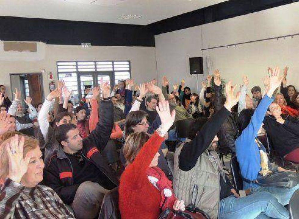 Docentes universitarios ratifican el paro del martes