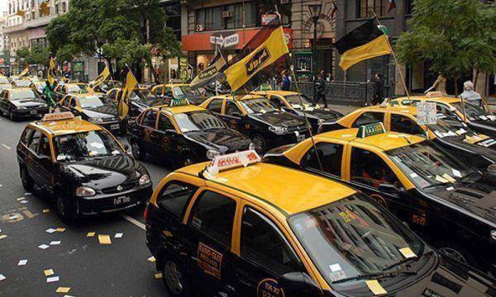 Los taxistas fueron citados por la Justicia por cortar una avenida