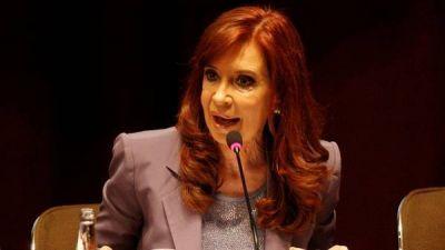 Cristina, De Vido y otros ex funcionarios K desfilan por Tribunales