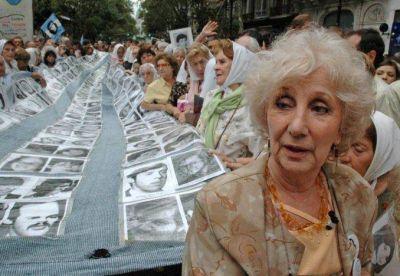Abuelas de Plaza de Mayo anunci� la recuperaci�n del nieto n�mero 121
