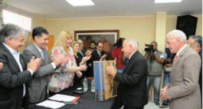 Casas encabez� acto por elD�a Nacional del Mutualismo