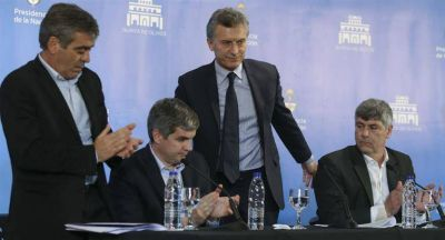 Macri postergó la baja de retenciones de la soja hasta 2018