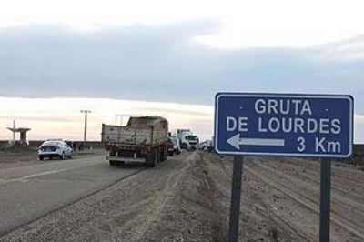 SITRAIC cortó el acceso a Puerto Deseado en demanda de trabajo