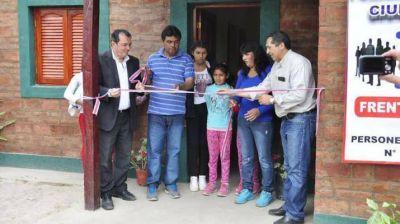 Entregaron m�s viviendas sociales en La Banda