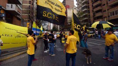 Taxistas consiguen les restituyan más paradas en el Centro