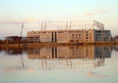 Megaestadio: en 2017 se licitará la construcción y colocación del techo