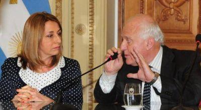 Gils Carbó se acerca a los gobernadores para resistir en la Procuración