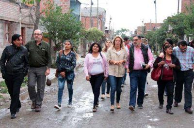 PLAN NACIONAL H�BITAT LLEGA A LOS BARRIOS PUNTA DIAMANTE Y EL CHINGO