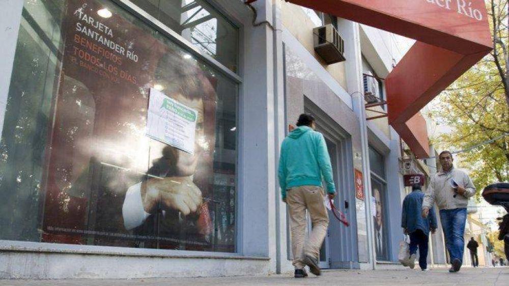 En los bancos no habrá atención al público de 10 a 13