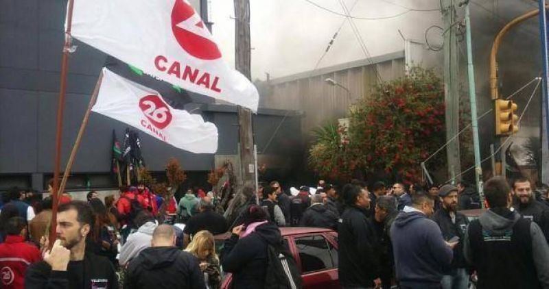 Protestas en Canal 26 contra los despidos y la persecución gremial