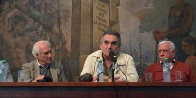 """""""Pino"""" Solanas presentó en la CGT el libro """"El Legado"""""""