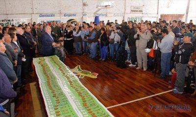 Goya: Colombi entregó 100 viviendas para la CGT, anunció 250 más y ratificó varias obras