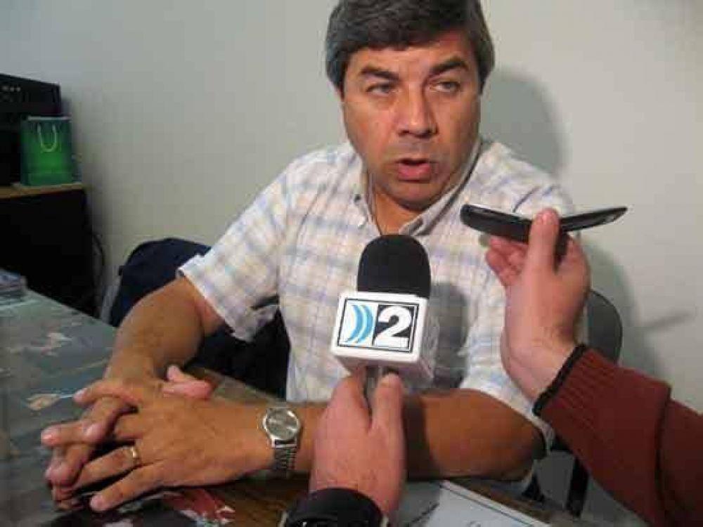 """Fernández denunció que el proyecto canteras """"despareció"""" en el senado."""