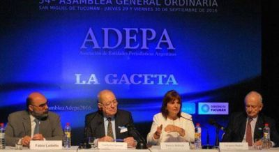 La DAIA participó del cierre de la 54ª Asamblea de Adepa