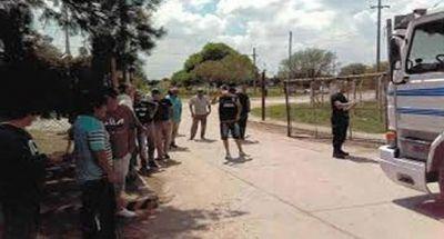 Transportistas bloquean salida de camiones en la Cooperativa de la U.U.A.