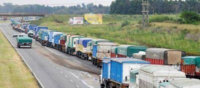 Aseguran que los impuestos representan el 40% de las tarifas de transporte de carga