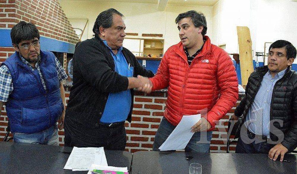 Prades y Julián Carrizo firmaron anoche