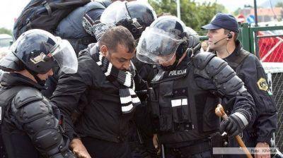 El premier afirmó que la enmienda contra los refugiados cumplirá leyes europeas