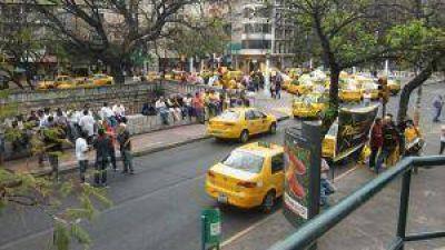Paro y movilización de los taxistas