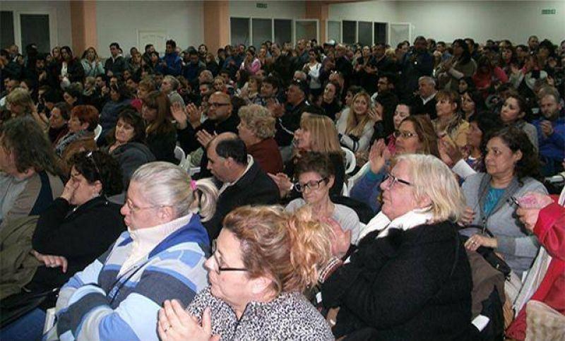 Luego de una asamblea los Municipales confirmaron que van al paro