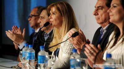 Intendentes de Formosa y de todo el pa�s eligieron a Ver�nica Magario presidenta de FAM