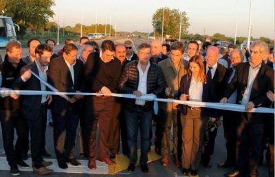 El gobernador inauguró el pavimento de la Ruta 4