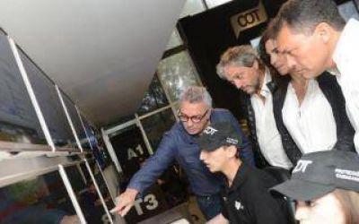 Julio Zamora recibi� a Walter Festa en Tigre