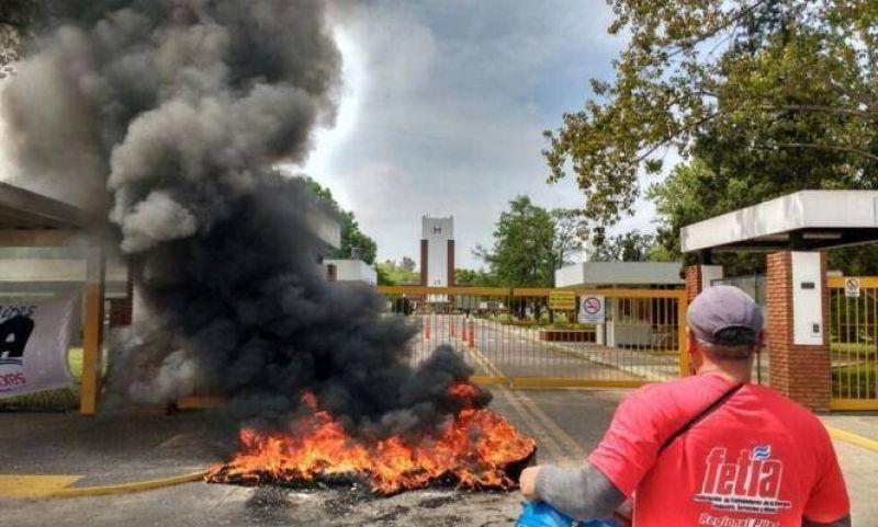 Denuncian despidos y persecución gremial en una empresa del Parque Industrial