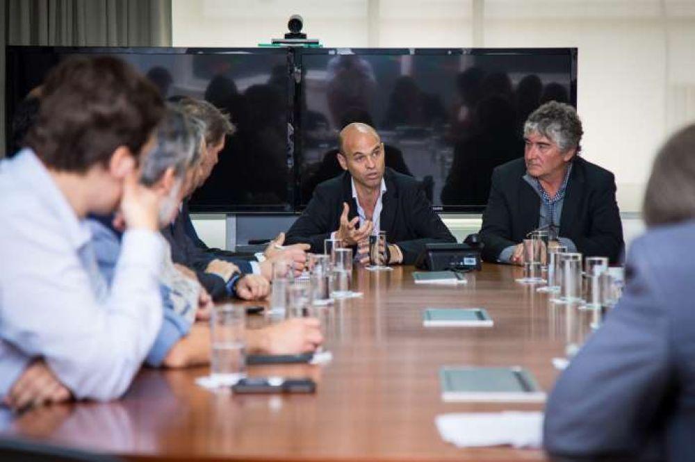Marina Mercante: el gobierno avanza con mejoras en la competitividad del sector