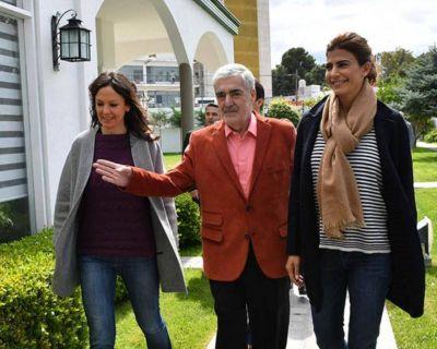 Políticas sociales: Juliana Awada y Carolina Stanley en Chubut