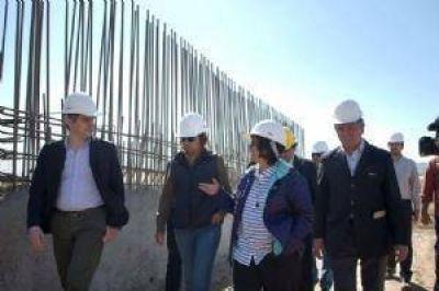 Anuncian que la obra de cloacas se inaugurará en abril de 2017