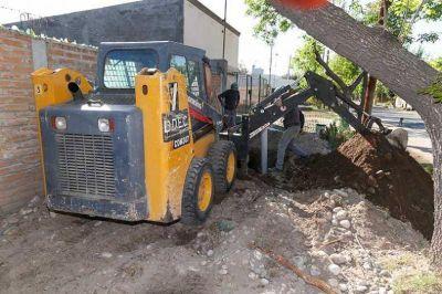Asfalto y construcción de cloacas en Pueblo Diamante y el Barrio Alberdi