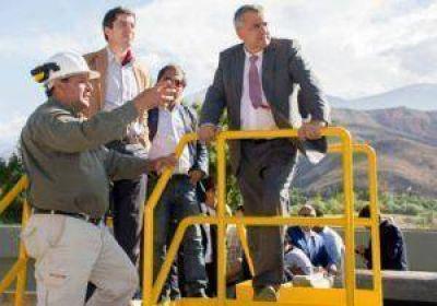 Morales inauguró el sistema de saneamiento Tumbaya – Volcán