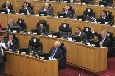 Un decreto oculto durante un a�o revela que la Legislatura gast� en subsidios millones destinados a sueldos