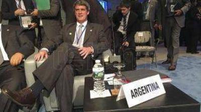 """Prat Gay: """"Argentina está colocando bonos a la tasa más baja de su historia"""""""