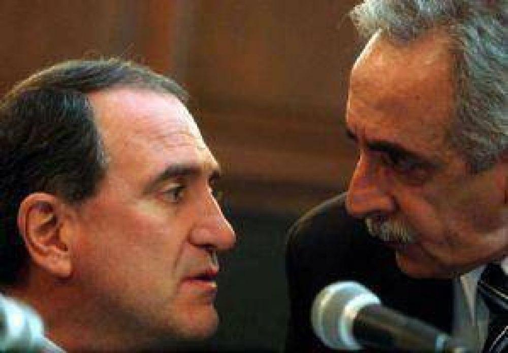 El Gobernador apoya el proyecto de los Kirchner para controlar los medios