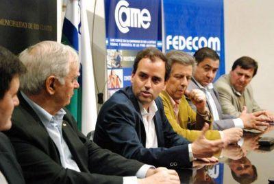 El municipio firmó convenio con la CAME y el CECIS para dictar 56 seminarios a distancia gratuitos