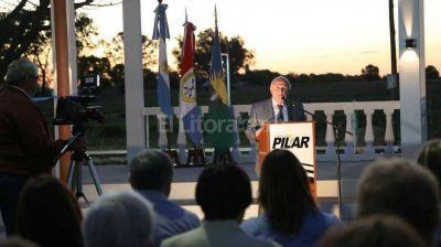 Lifschitz particip� de los festejos por el aniversario de la fundaci�n de Pilar